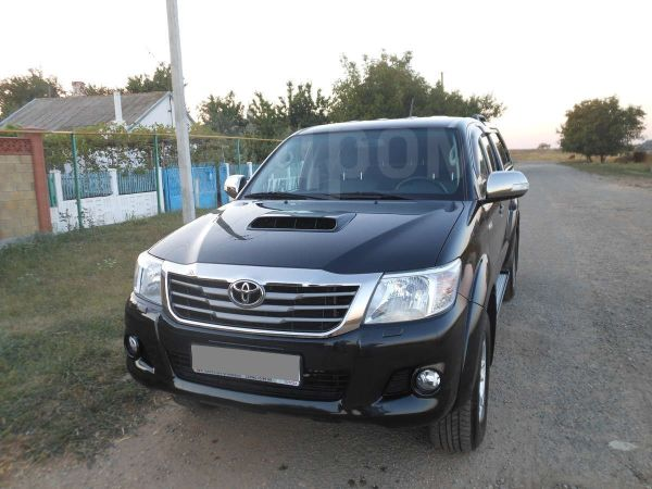 Toyota Hilux Pick Up, 2013 год, 1 700 000 руб.