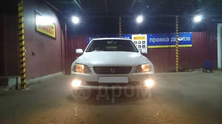 Toyota Altezza, 2001 год, 310 000 руб.