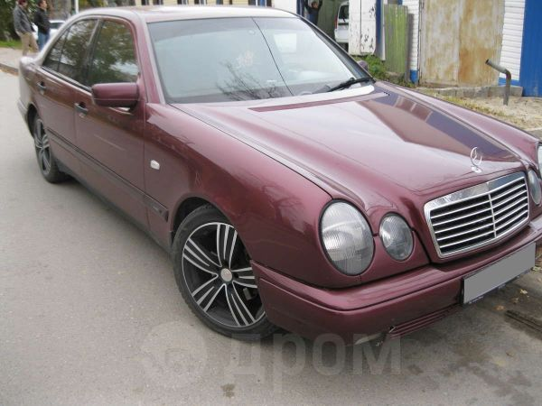 Mercedes-Benz E-Class, 1998 год, 400 000 руб.