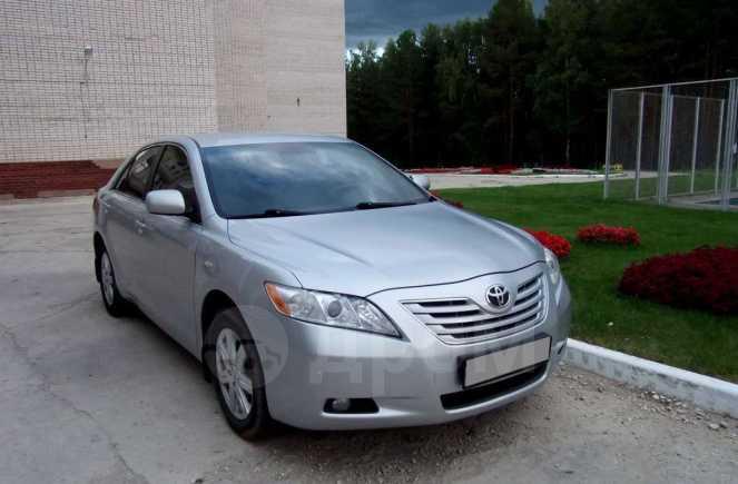 Toyota Camry, 2009 год, 630 000 руб.