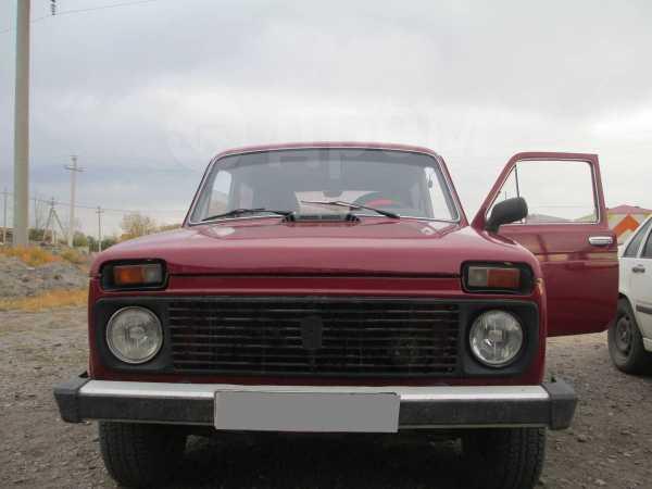Лада 4x4 2121 Нива, 1995 год, 140 000 руб.
