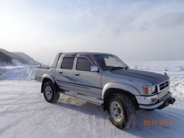 Toyota Hilux Pick Up, 1993 год, 750 000 руб.