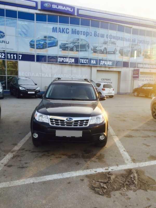 Subaru Forester, 2011 год, 987 000 руб.