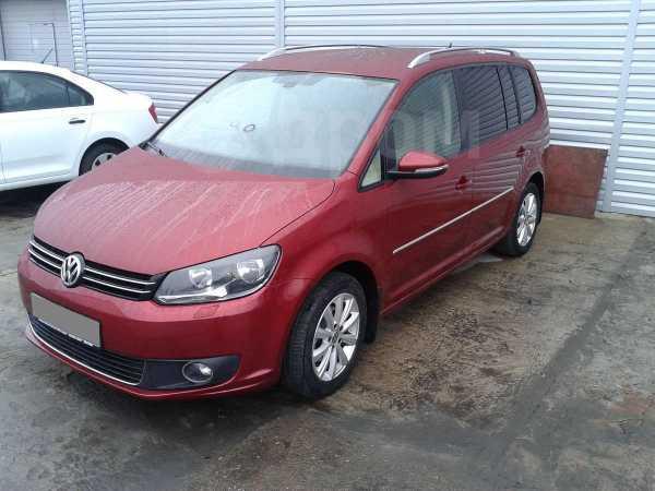 Volkswagen Touran, 2013 год, 900 000 руб.
