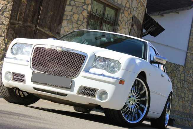 Chrysler 300C, 2005 год, 550 000 руб.