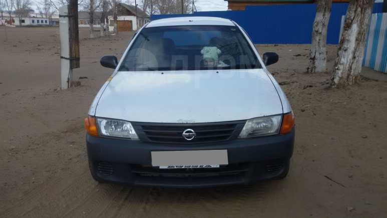 Nissan AD, 2000 год, 190 000 руб.