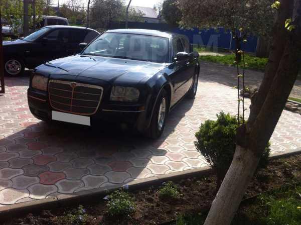 Chrysler 300C, 2005 год, 700 000 руб.