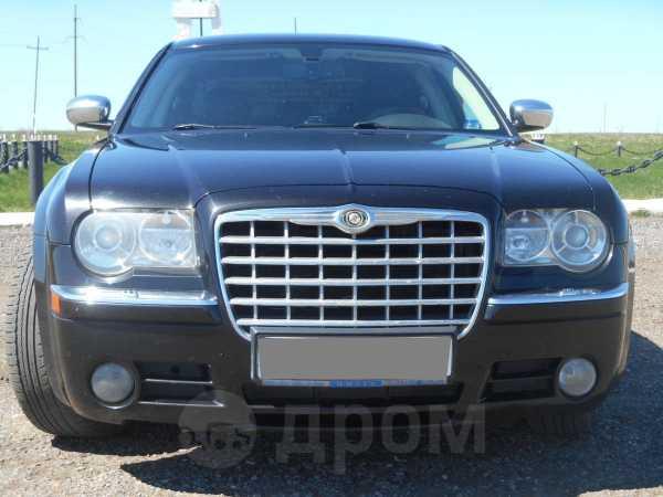Chrysler 300C, 2007 год, 630 000 руб.