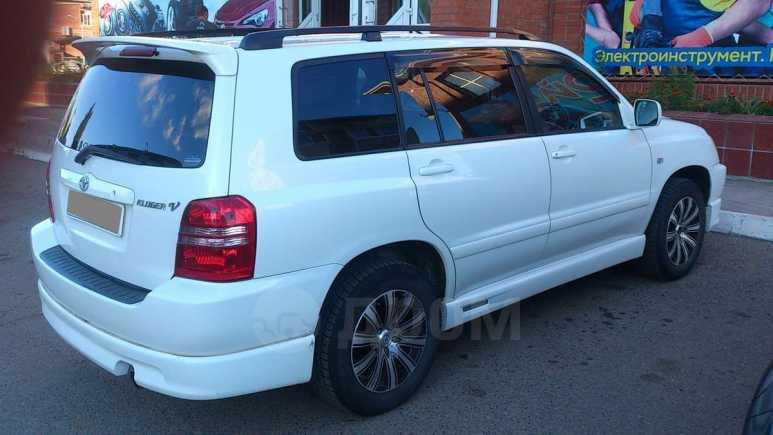 Toyota Kluger V, 2002 год, 600 000 руб.