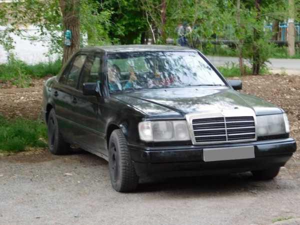 Mercedes-Benz E-Class, 1989 год, 140 000 руб.