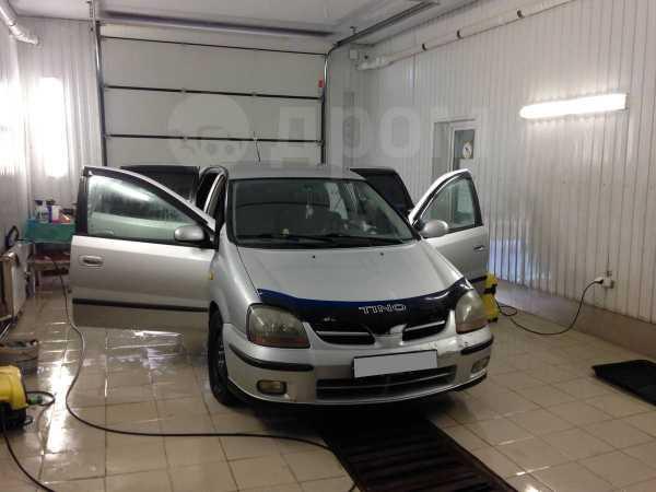 Nissan Tino, 2001 год, 170 000 руб.