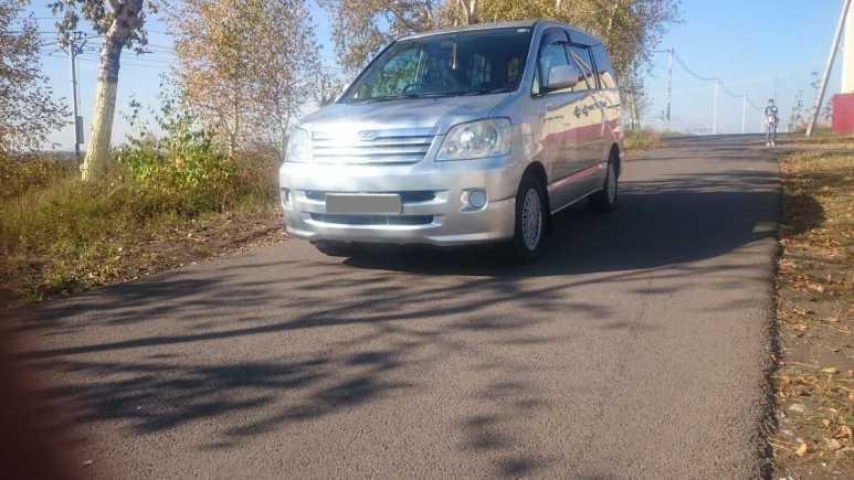 Toyota Noah, 2002 год, 415 000 руб.