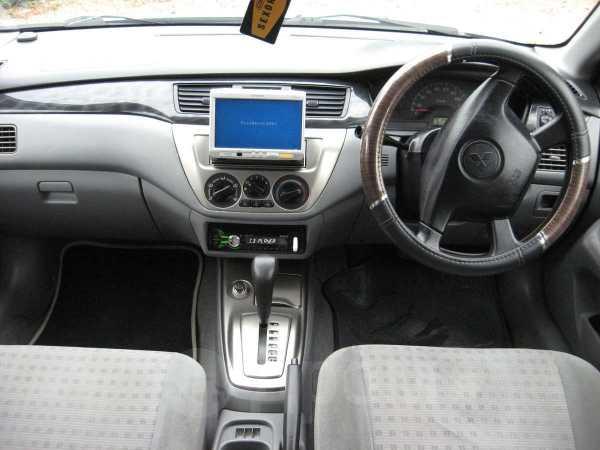 Mitsubishi Lancer, 2003 год, 246 000 руб.