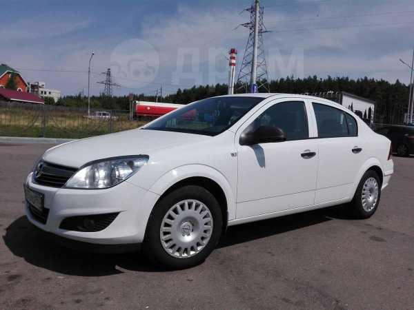 Opel Astra Family, 2012 год, 430 000 руб.