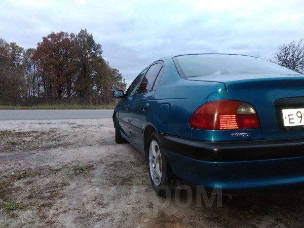Toyota Avensis, 1997 год, 185 000 руб.
