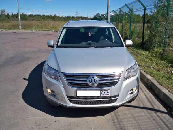 Volkswagen Tiguan, 2010 год, 685 000 руб.