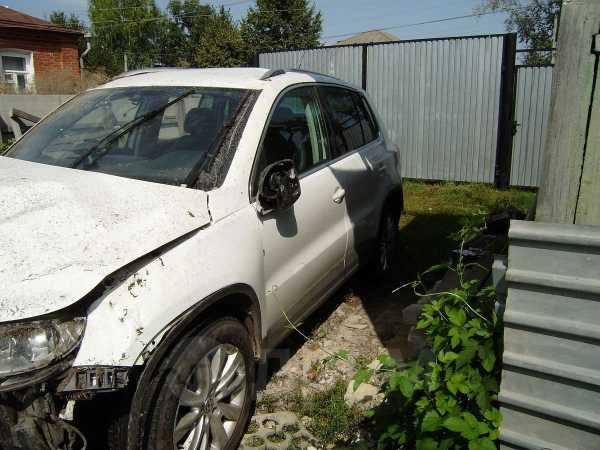 Volkswagen Tiguan, 2010 год, 350 000 руб.
