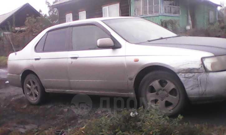Nissan Bluebird, 2000 год, 190 000 руб.