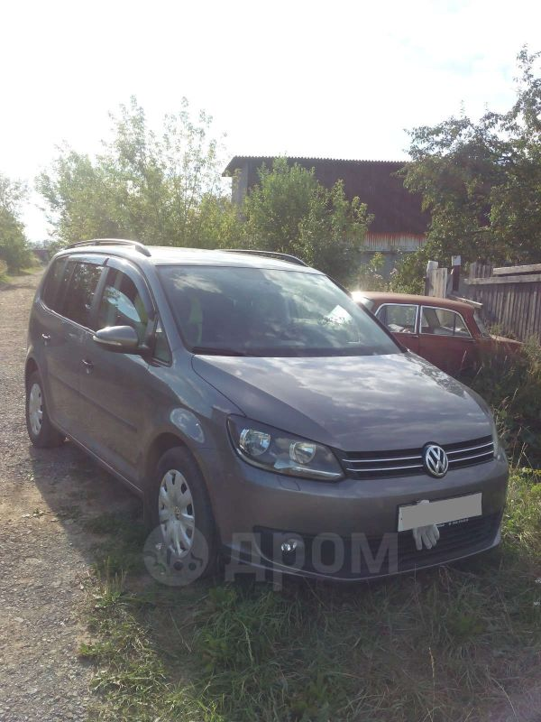 Volkswagen Touran, 2011 год, 740 000 руб.