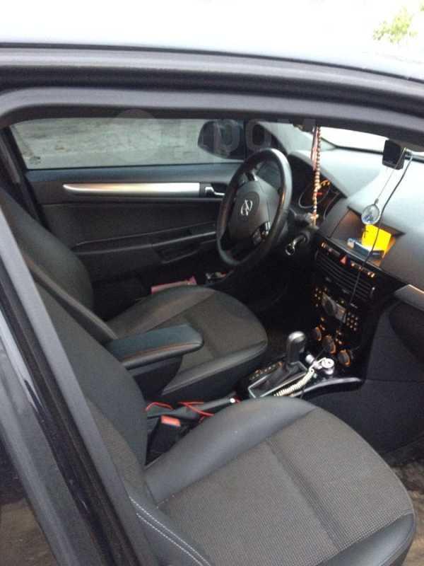 Opel Astra, 2011 год, 565 000 руб.