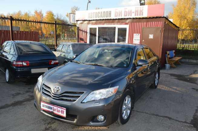 Toyota Camry, 2011 год, 875 000 руб.