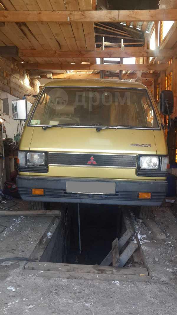 Mitsubishi Delica, 1988 год, 50 000 руб.