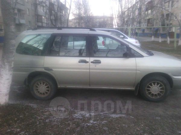 Nissan Prairie Joy, 1998 год, 115 000 руб.