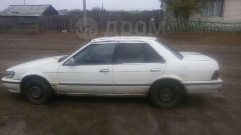 Nissan Bluebird, 1990 год, 30 000 руб.