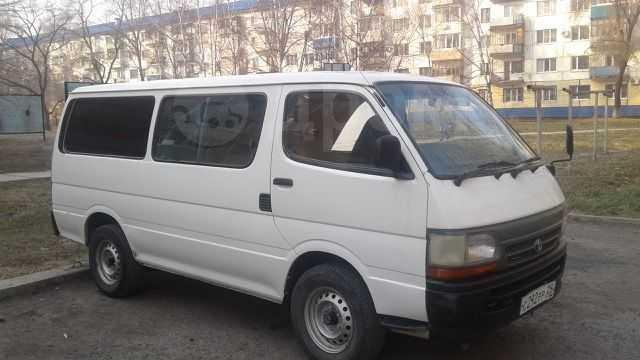 Toyota Hiace, 2003 год, 300 000 руб.