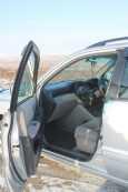 Toyota Kluger V, 2001 год, 525 000 руб.