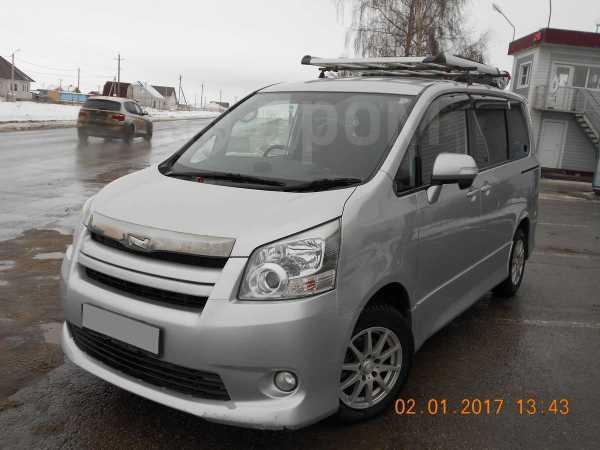 Toyota Noah, 2008 год, 800 000 руб.