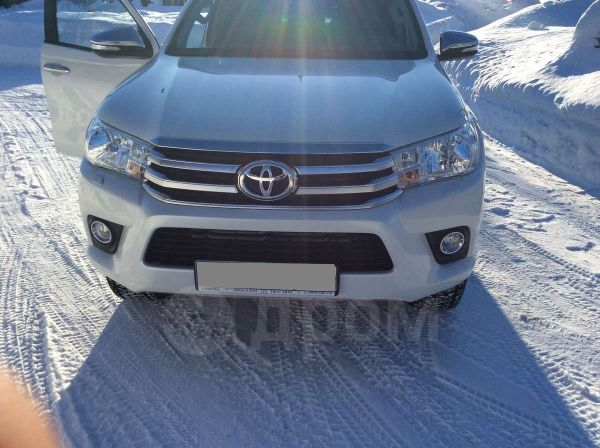 Toyota Hilux Pick Up, 2015 год, 2 050 000 руб.