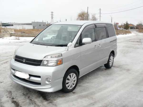 Toyota Voxy, 2005 год, 500 000 руб.