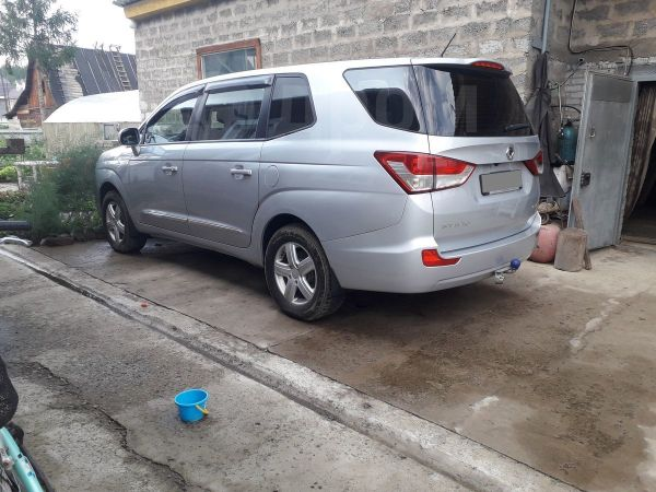 SsangYong Stavic, 2013 год, 900 000 руб.