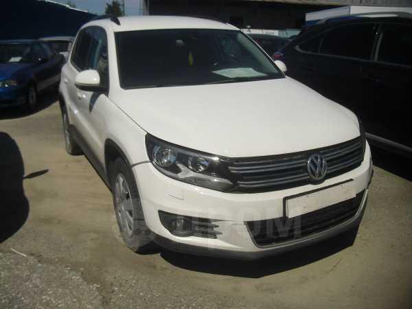 Volkswagen Tiguan, 2012 год, 635 000 руб.