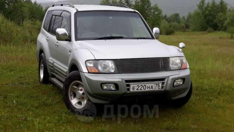 Mitsubishi Pajero, 2000 год, 555 000 руб.