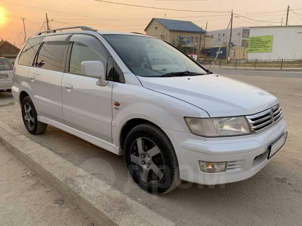 Mitsubishi Chariot Grandis, 1998 год, 350 000 руб.