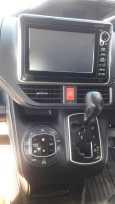 Toyota Noah, 2014 год, 1 410 000 руб.