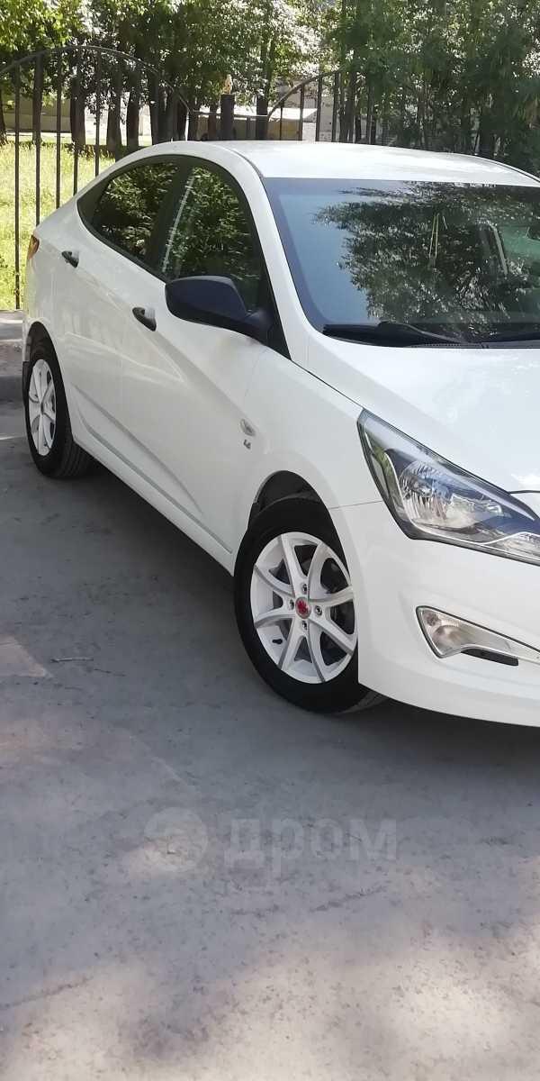 Hyundai Solaris, 2015 год, 635 000 руб.
