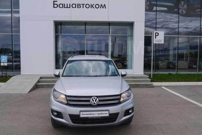 Volkswagen Tiguan, 2012 год, 675 000 руб.