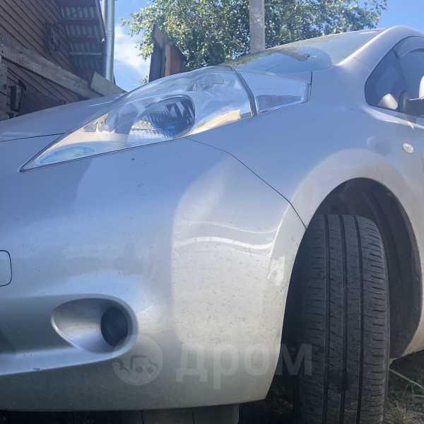 Nissan Leaf, 2014 год, 555 555 руб.