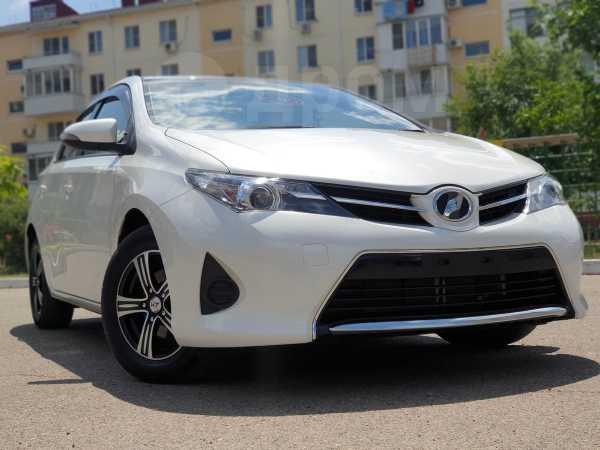 Toyota Auris, 2015 год, 849 000 руб.