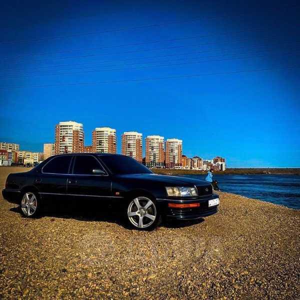 Lexus LS400, 1993 год, 320 000 руб.