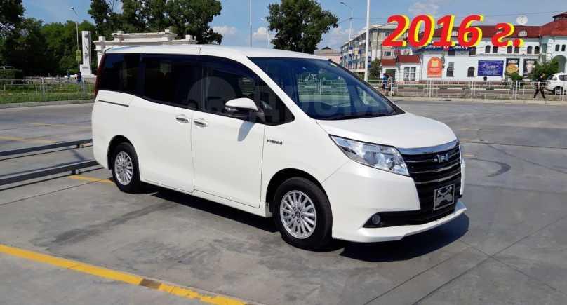 Toyota Noah, 2016 год, 1 250 000 руб.