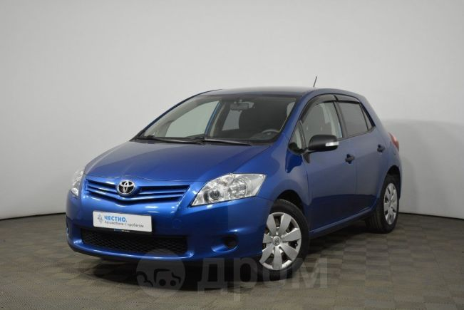 Toyota Auris, 2010 год, 585 000 руб.