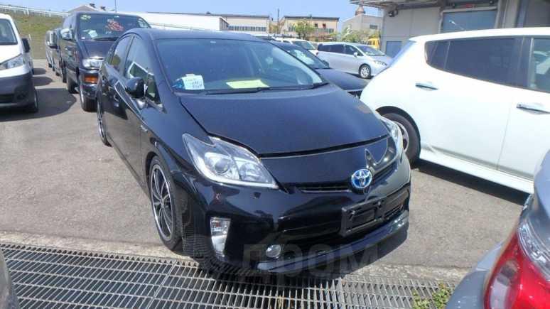Toyota Prius, 2015 год, 1 000 000 руб.