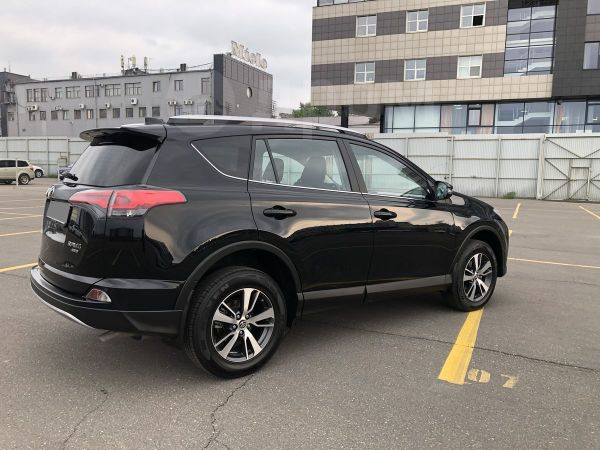 Toyota RAV4, 2017 год, 1 399 000 руб.