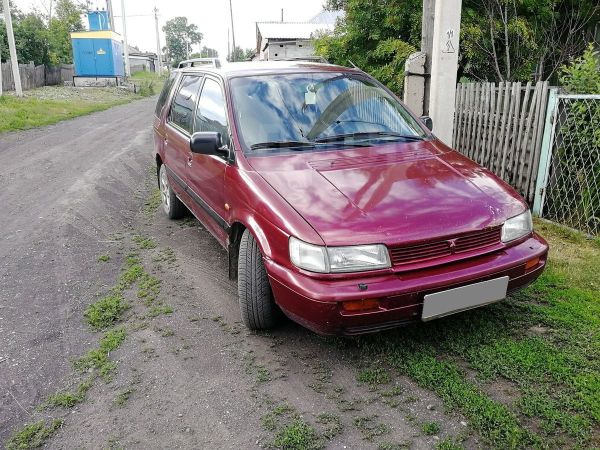 Mitsubishi Space Wagon, 1993 год, 135 000 руб.