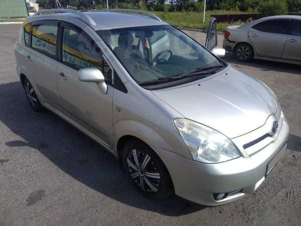 Toyota Corolla Verso, 2005 год, 390 000 руб.