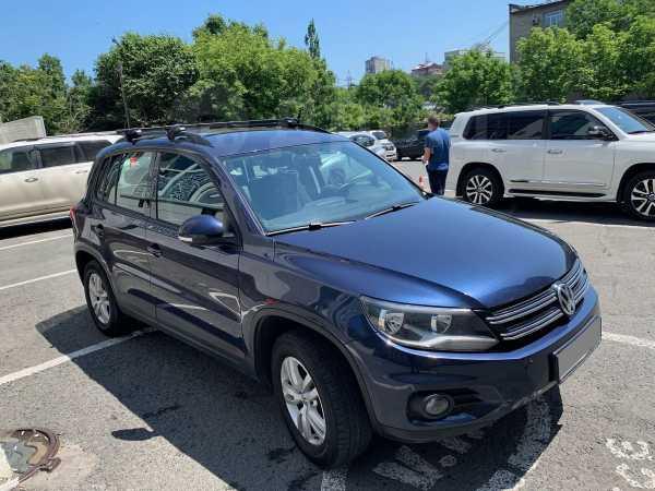 Volkswagen Tiguan, 2014 год, 995 000 руб.
